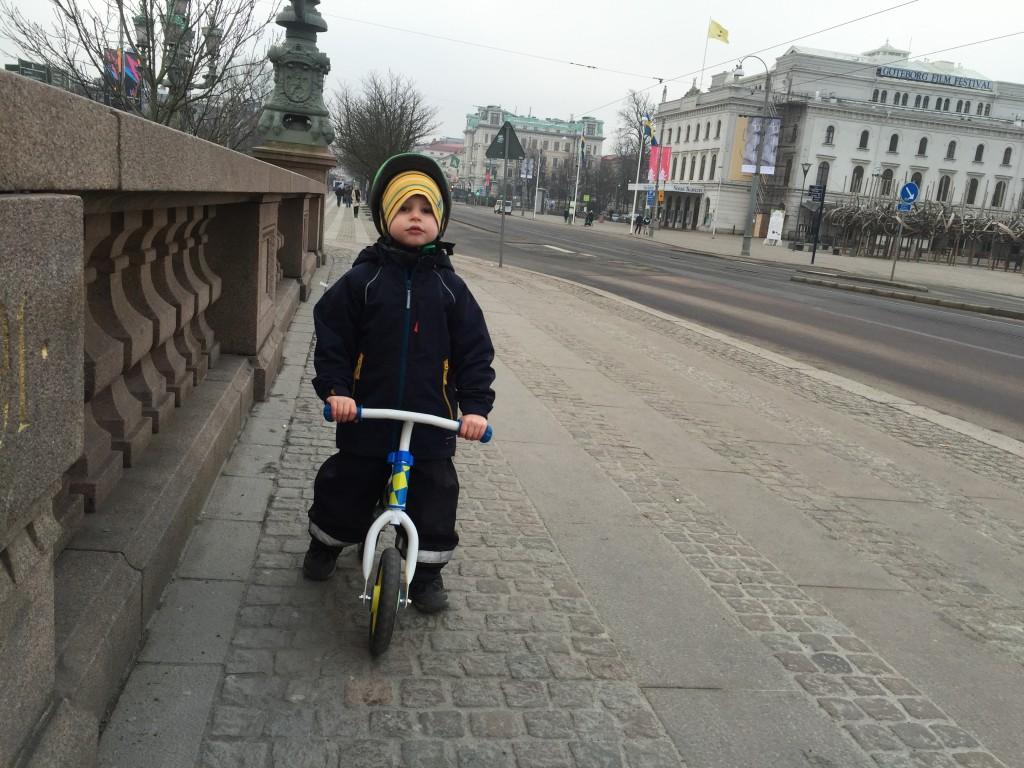 Felix på bron vid Kungsportsplatsen